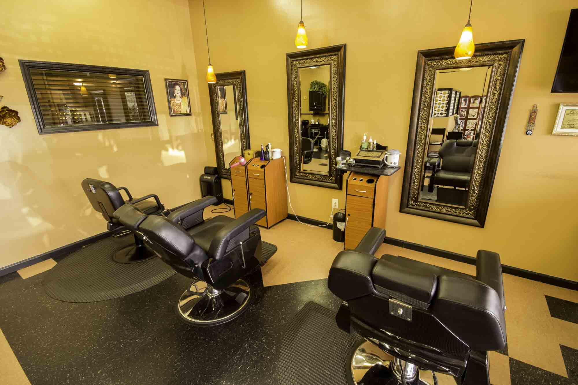 Cary beauty spa salon interior 1 shamim beauty parlour for Hair salon interior design photo