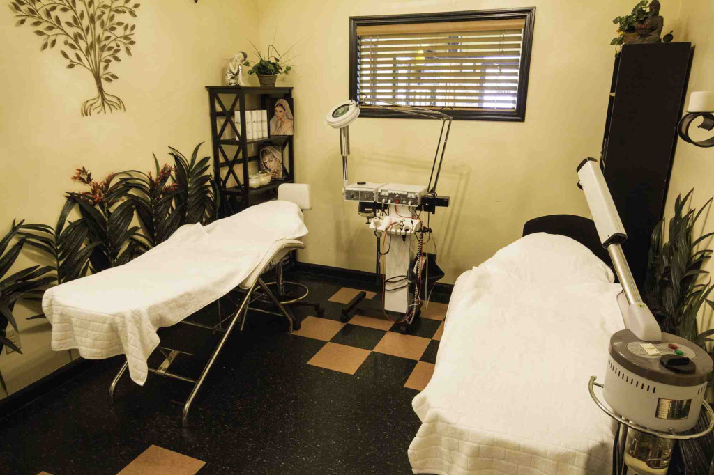 Cozy Beds for Hair Removal Waxing and Facials